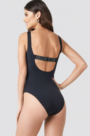 Costum de baie Square Scoop One Piece2