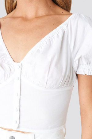 Cropped Fitted Button Top3