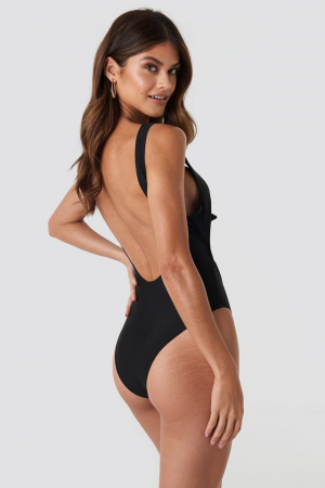 Cut Out Knot Detail Swimsuit1