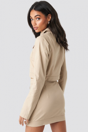 Jachetă scurtă cu fermoar1