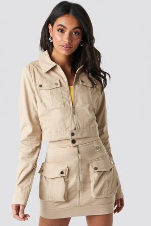Jachetă scurtă cu fermoar2