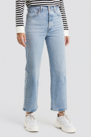 Ribcage Straight Ankle Levi's1