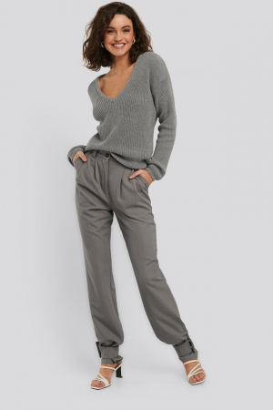 Pulover Deep Front V-neck Knitted1