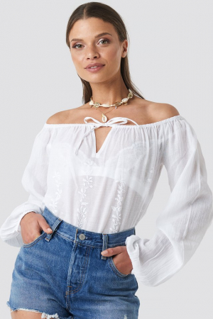 Bluza Embroidery Off Shoulder Top0