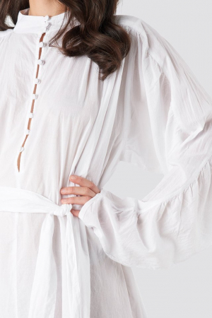 Camasa Gathered Sleeve Tied Waist1