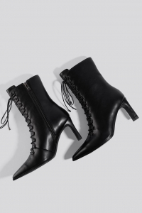 Botine Pointy Lace Up Booties [1]