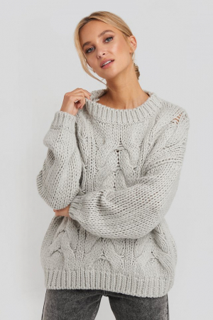 Pulover Wool Blend Round Neck Heavy Knitted Cable1