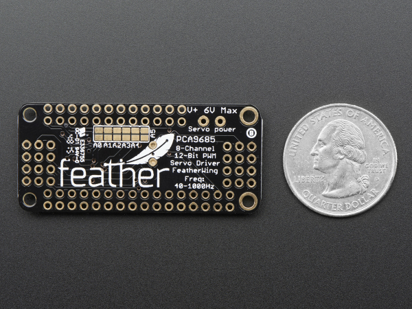 8-Channel PWM Shield pentru Feather 5