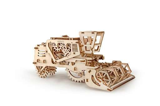 Combina agricola UGears 0