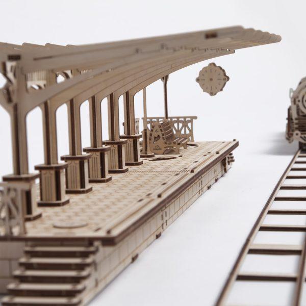 Peron tren 9