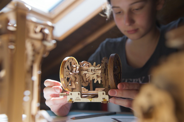 Puzzle mecanic Ugears Diferentialul 14