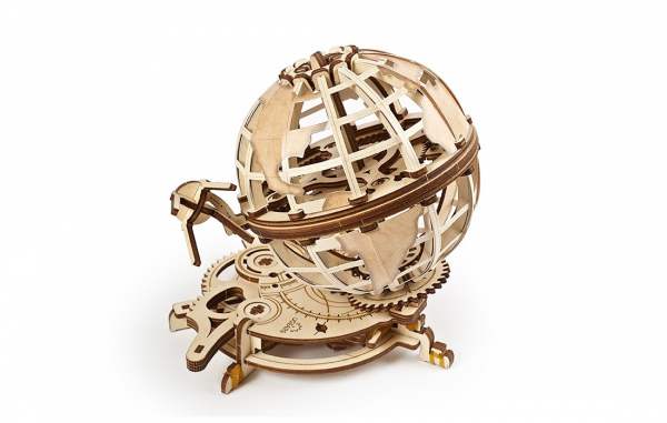 Puzzle mecanic Ugears Glob pamantesc 1