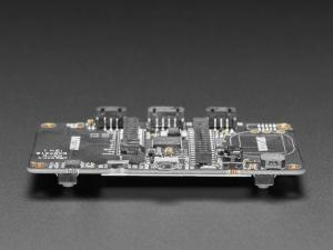 Placa Adafruit EdgeBadge TensorFlow Lite pentru microcontrollere6