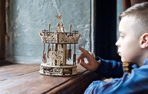 Puzzle mecanic 3D lemn Ugears Carusel14