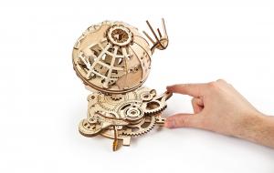 Puzzle mecanic 3D lemn Ugears Glob pamantesc5