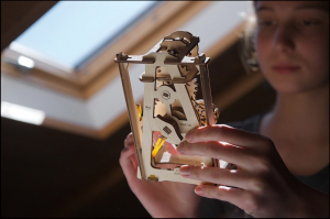 Puzzle mecanic 3D STEM Ugears Pendul8