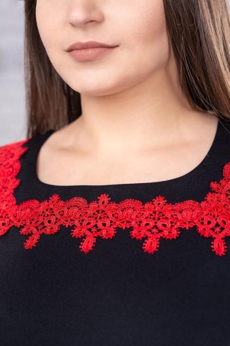 Rochie eleganta de zi neagra cu broderie rosie marimi mari Aurora 3