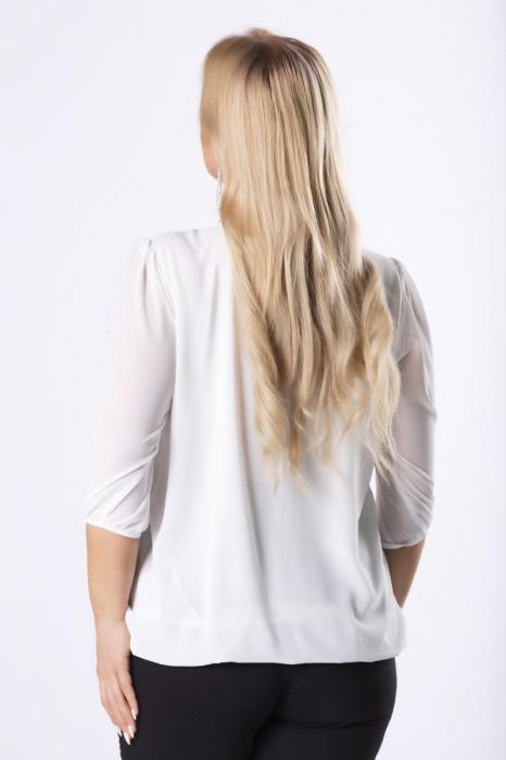 Bluza alba eleganta cu accesoriu metalic - Marimi mari 1