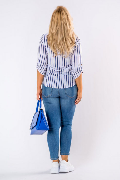 Bluza alba cu dungi albastre si maneci reglabile - Marimi mari [1]