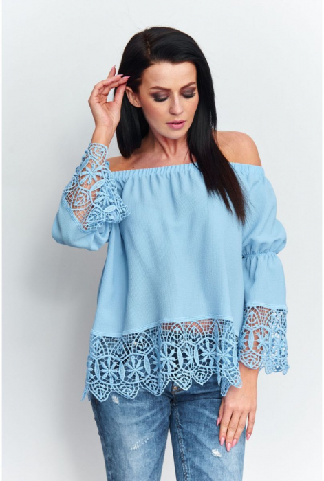 Bluza eleganta cu broderie la maneci bleu [1]
