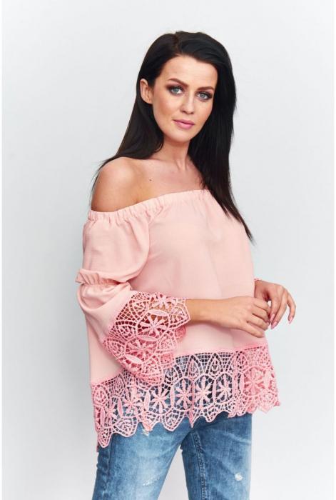 Bluza eleganta de vara cu umerii goi si broderie roz [0]