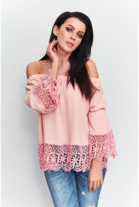 Bluza eleganta de vara cu umerii goi si broderie roz [1]
