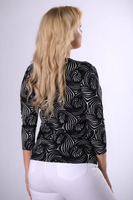 Bluza neagra cu maneca lunga 3/4 - Bluze femei plinute [1]