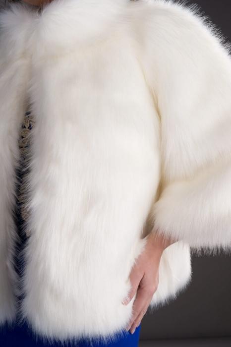 Haina blana artificiala Kara alb - Capa blana artificiala alba 1