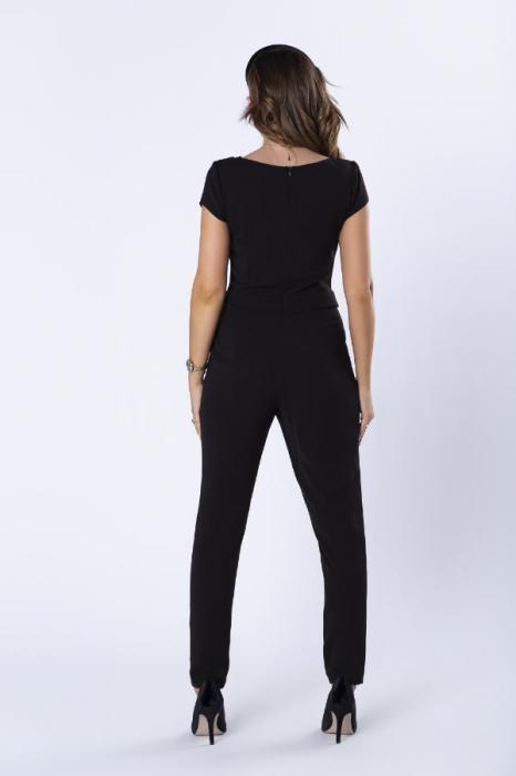 Salopeta eleganta neagra cu pantaloni conici 2