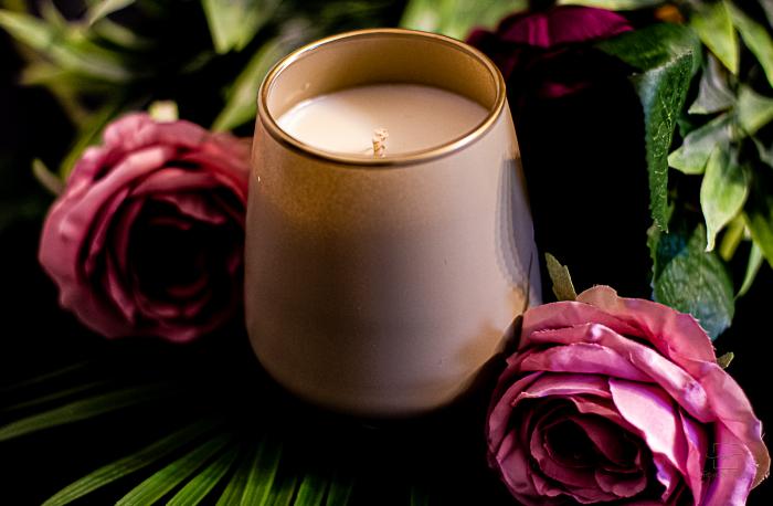 Lumânare Violete, Crini & Trandafiri [0]