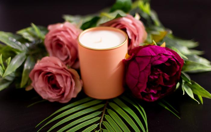 Lumânare Violete, Crini & Trandafiri 6