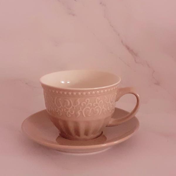 Set elegant ceașcă și farfurioară 1