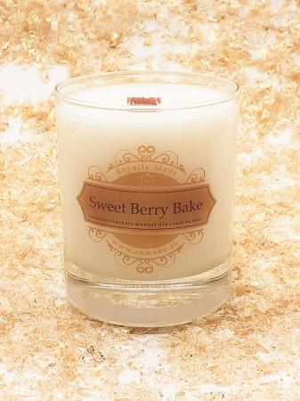 Lumânare Sweet Berry Bake0