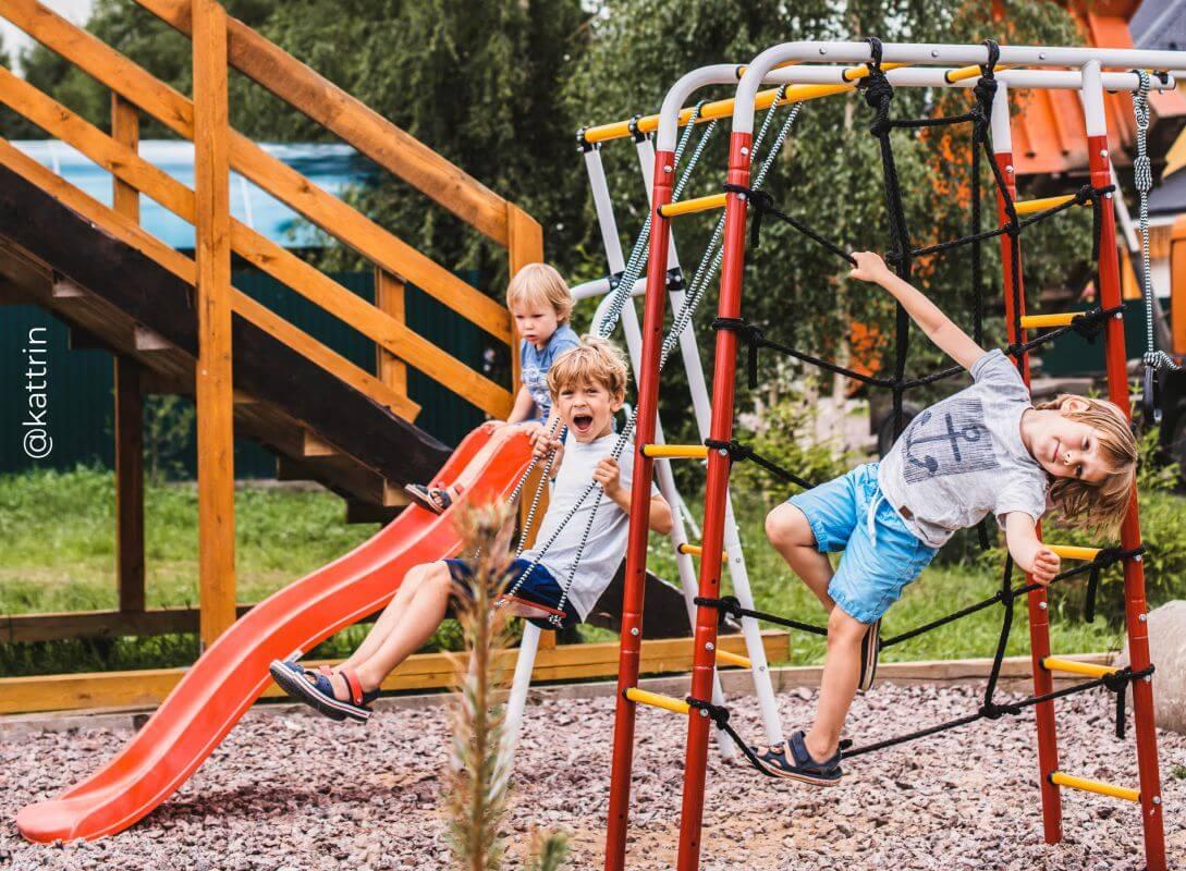 De ce ai nevoie de un complex sportiv pentru copii la o căsuță de vară