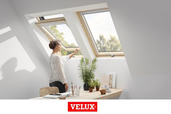 Velux Standard Plus GLL 1061B, 66/118, toc din lemn, deschidere mediana, geam triplu 1