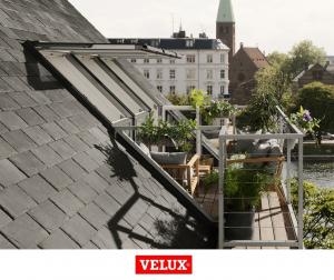 Fereastra de mansarda pentru acces pe terasa Velux GEL-VEA 30654