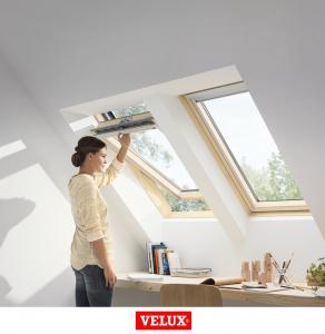 Velux Standard Plus GLL 1061, 55/78, toc din lemn, deschidere mediana, geam triplu [1]
