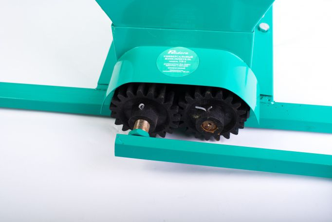 Zdrobitor struguri manual, Micul Fermier GF-0898, cuva 25L, tabla groasa, Model 2021 [1]