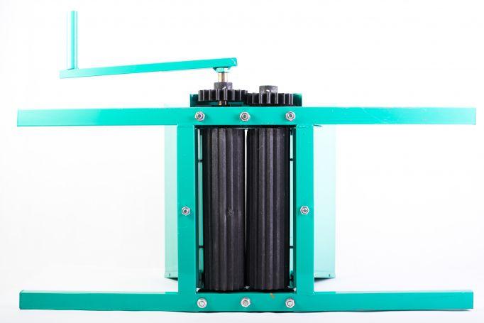 Zdrobitor struguri manual, Micul Fermier GF-0898, cuva 25L, tabla groasa, Model 2021 [3]