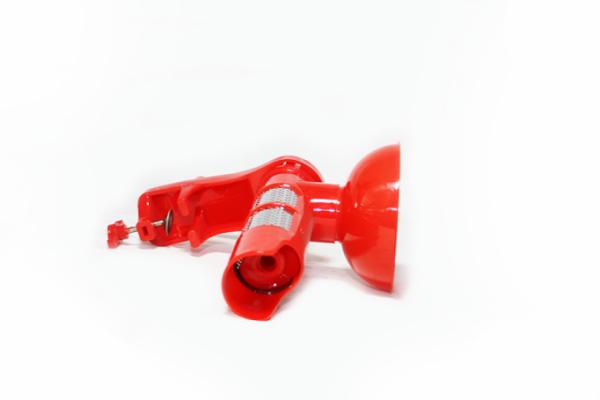 Masina de tocat rosii din plastic rosie [1]