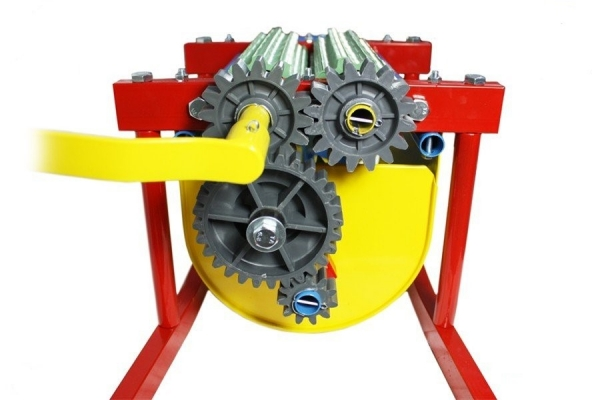 Zdrobitor de struguri manual cu desciorchinator,GF 1437,Cuva INOX,Capacitate 20L 1