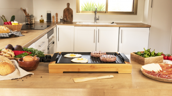 Gratar electric Cecotec Tasty&Grill 2000 Bamboo, 2000W, cadru din bambus, termostat reglabil 5