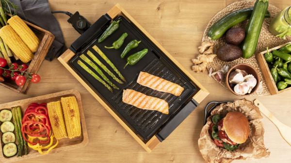 Gratar electric Cecotec Tasty&Grill 2000 Bamboo, 2000W, cadru din bambus, termostat reglabil 7
