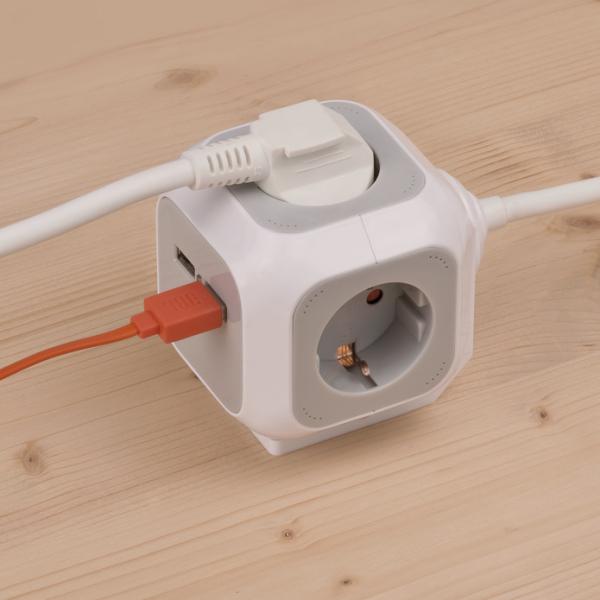 Prelungitor Brennestuhl forma de cub cu prize si USB, 1.4m 3