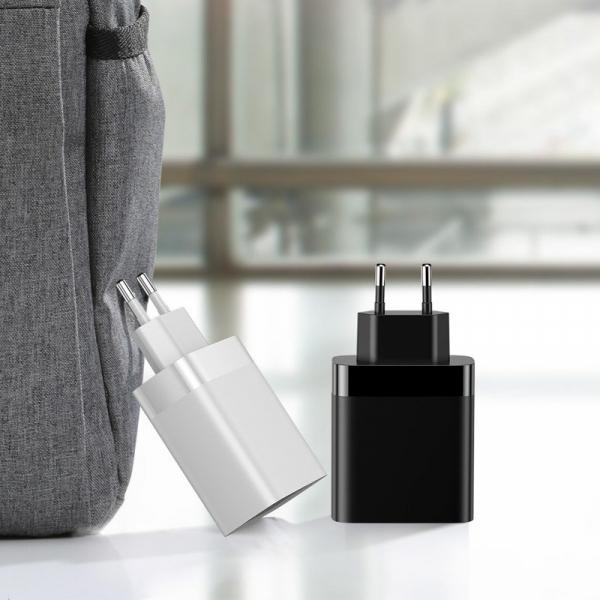 Incarcator USB Premium Baseus Mirror Lake Digital Display 4x Usb Travel Charger 30w 6a ,negru [7]