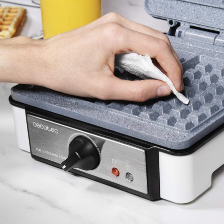 Aparat pentru preparat vafe/gofre Cecotec Fun Gofrestone Double, 1200W, Termostat ajustabil, Invelis antiaderent [3]