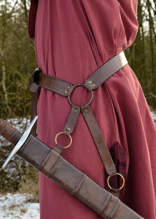 Curea medievală cu suport pentru spadă [2]