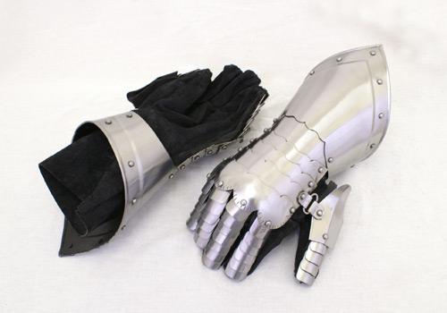 Mănuși medievale 0