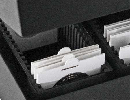 Cutie din lemn pentru cartonase1