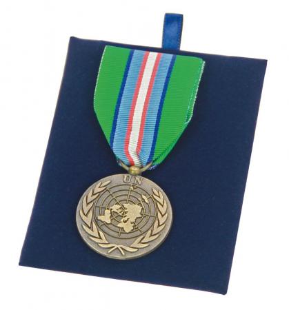 Vitrina pentru decoratiuni si medalii-5926 [3]